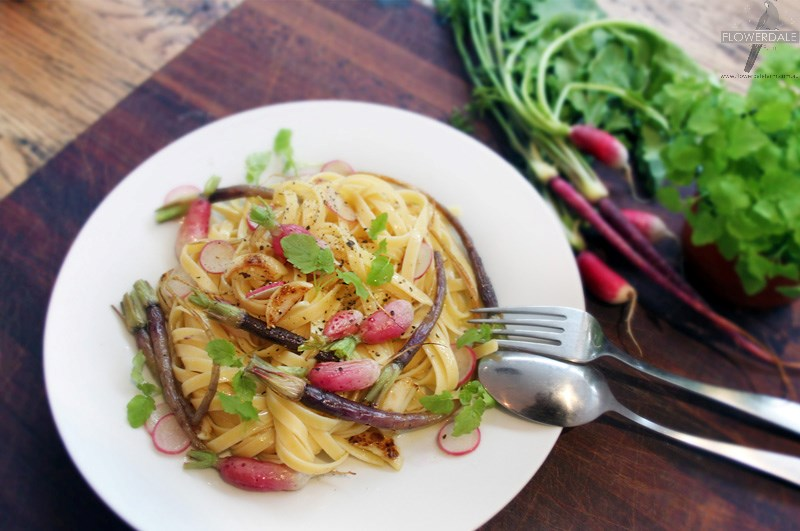Petite vegetable pasta with aromatic lemon and garlic butter sauce