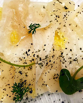 Recipe Scallop, daikon, finger lime & nori